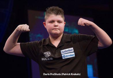 One man Show Justin van Tergouw duurt voort. hij wint de Winmau World Masters